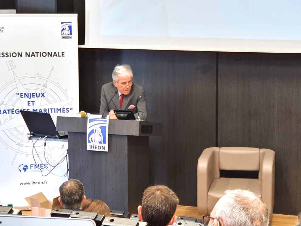 © IHEDN | 6e ESM au séminaire Toulon-Marseille : Philippe Louis-Dreyfus, président du conseil de surveillance de Louis-Dreyfus Armateur, s'adressant aux auditeurs