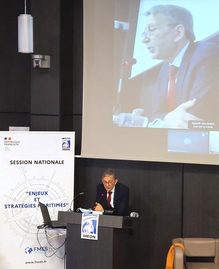 © IHEDN | 6e ESM au séminaire Toulon-Marseille : Jean-Luc Vuillemin s'adressant aux auditeurs