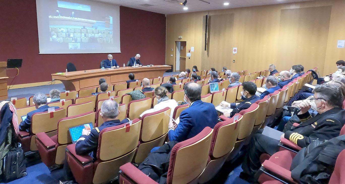 © IHEDN   6e ESM au séminaire Hauts-de-France : Jean-Michel Thillier s'adressant aux auditeurs