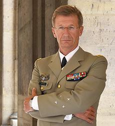 Le général de corps d'armée Patrick Destremau, directeur de l'IHEDN