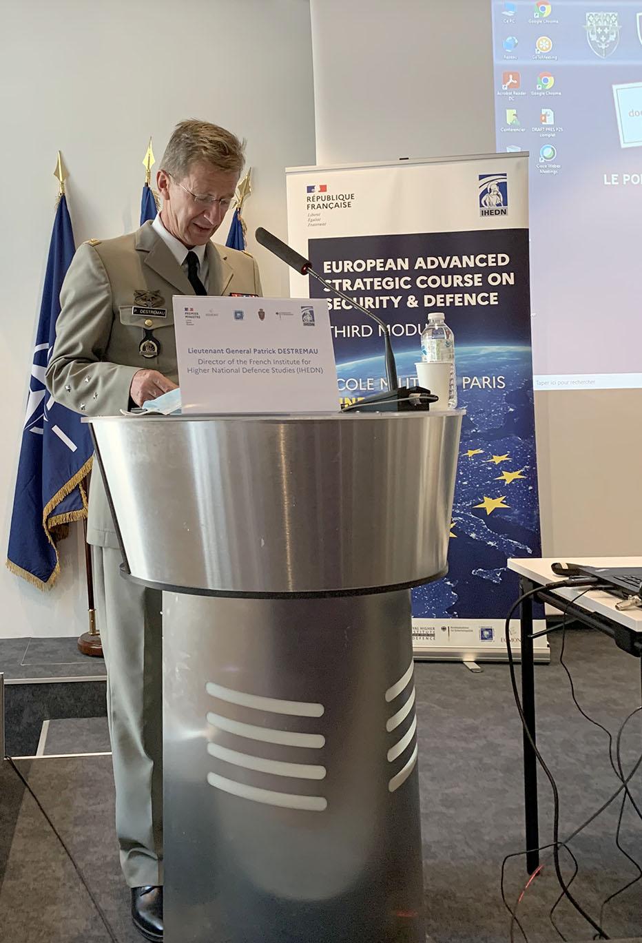© Première édition du « Cours stratégique avancé européen » en sécurité et de défense